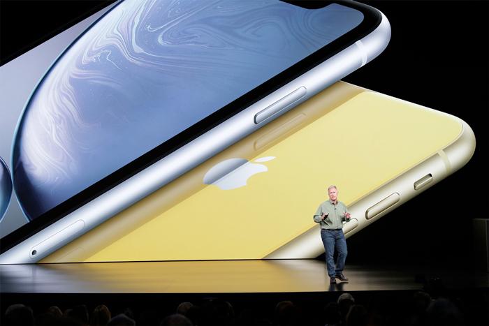 a12-bionic-apple-keynote_phil-schiller_09122018_big.jpg.large_2x