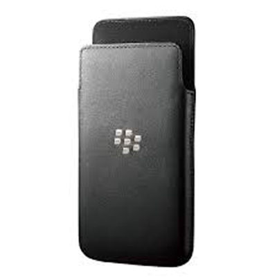 Blackberry Q5 Black Leather Pocket